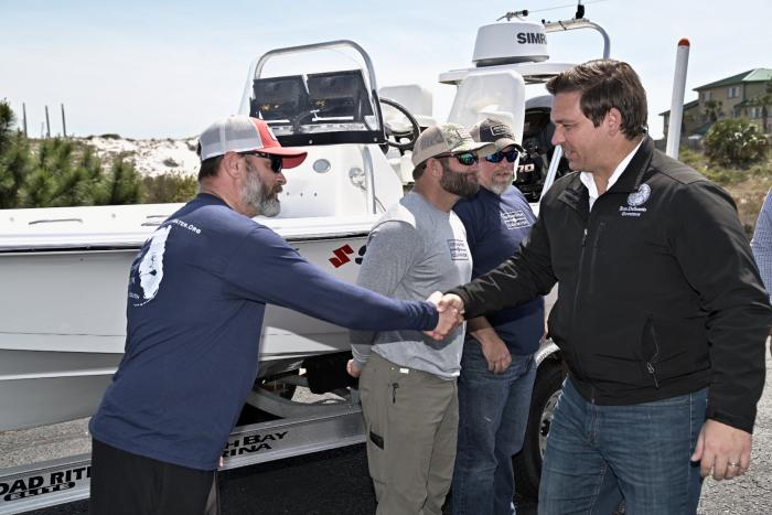 Governor Attends Captains For Clean Water Skiff Challenge